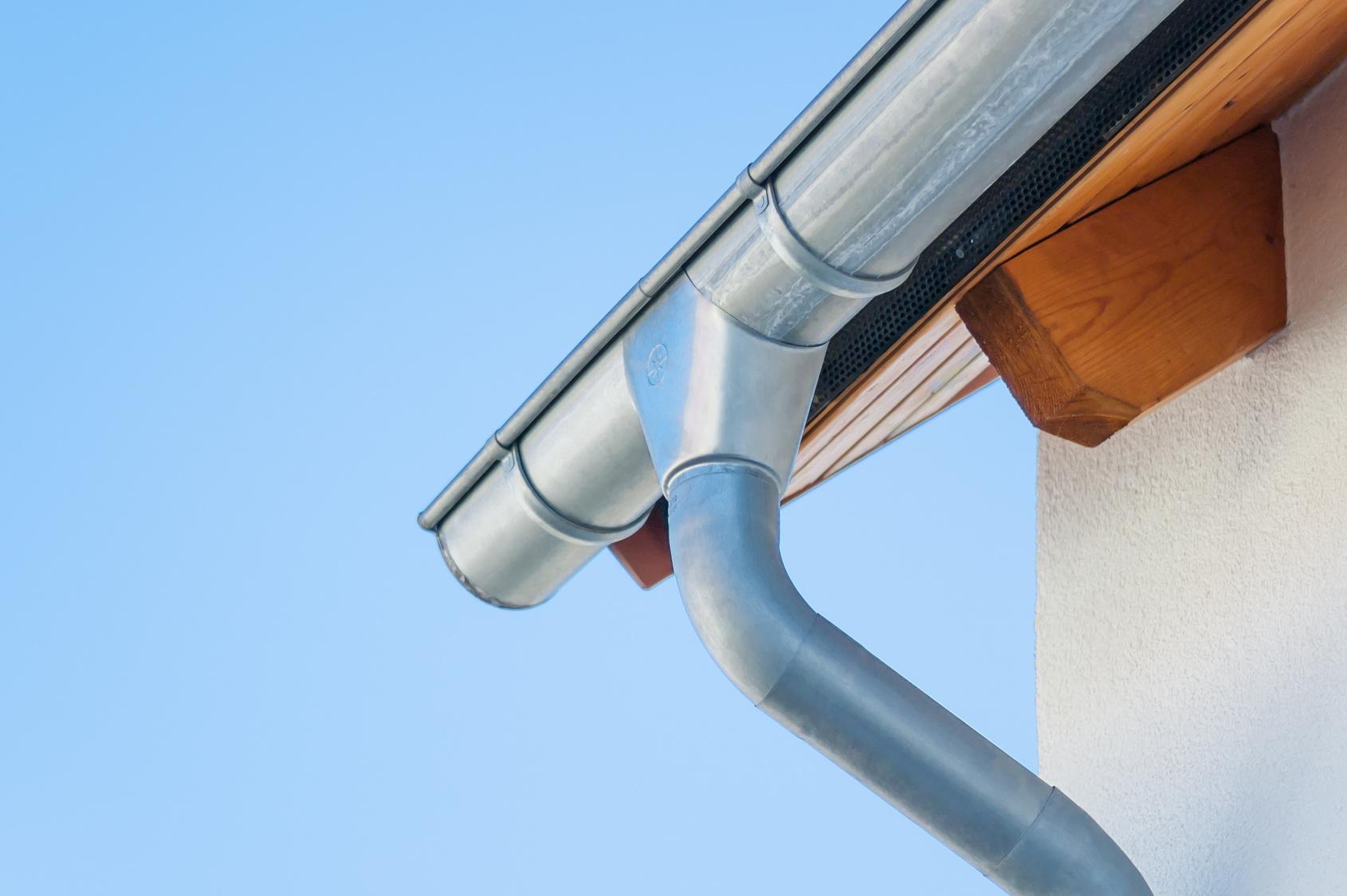 Bezpieczne dachy, rynny i rury spustowe